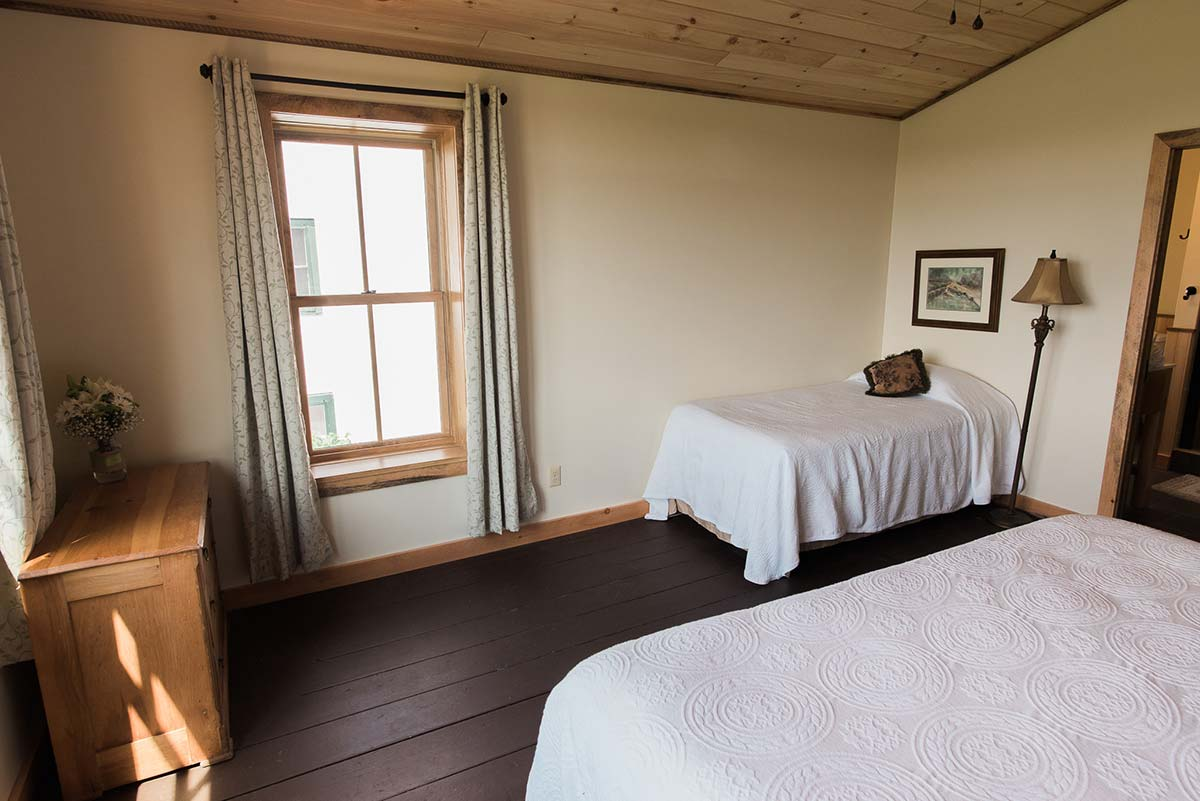 Room 6 - twin bed